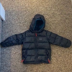 Patagonia Down Puffer in Navy